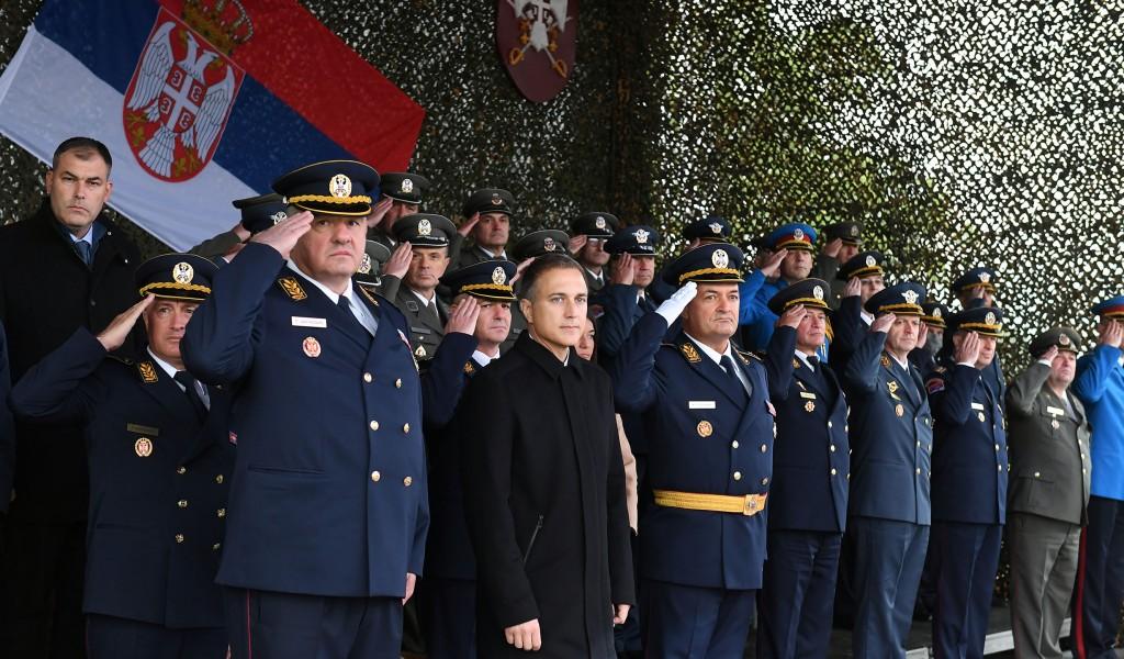 Министар Стефановић присуствовао промоцији најмлађих подофицира Војске Србије