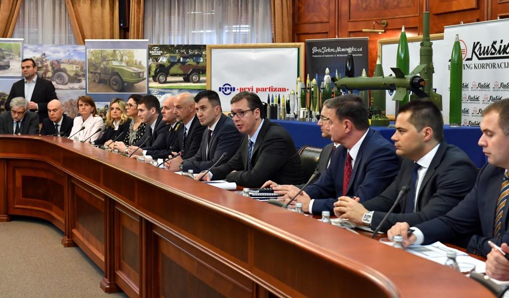 Председник Владе са представницима одбрамбене индустрије