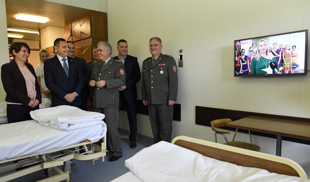 Донација телевизора Војном здравству