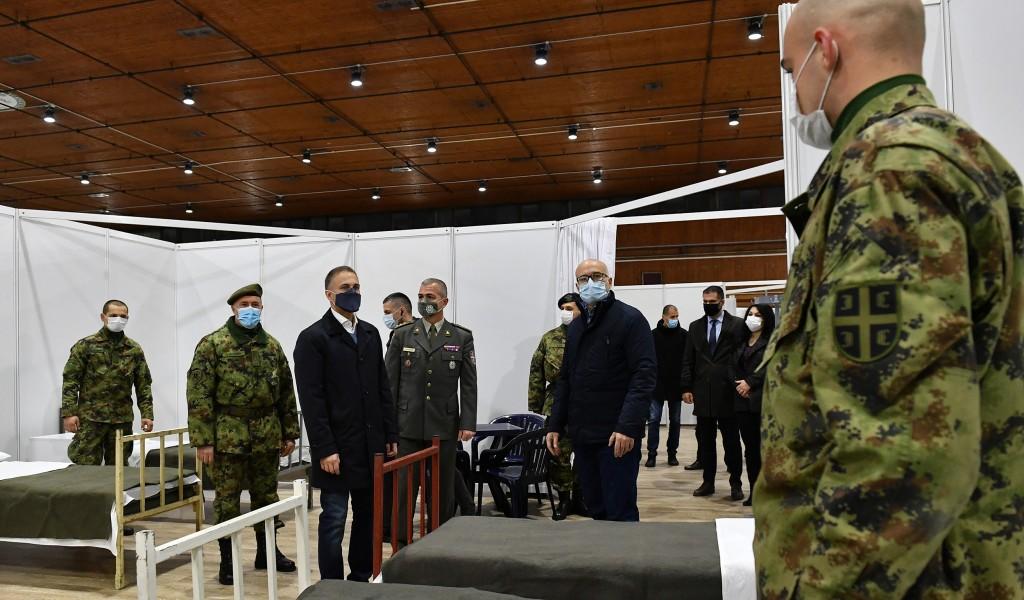 Министар Стефановић обишао завршне припреме привремене ковид болнице на Новосадском сајму