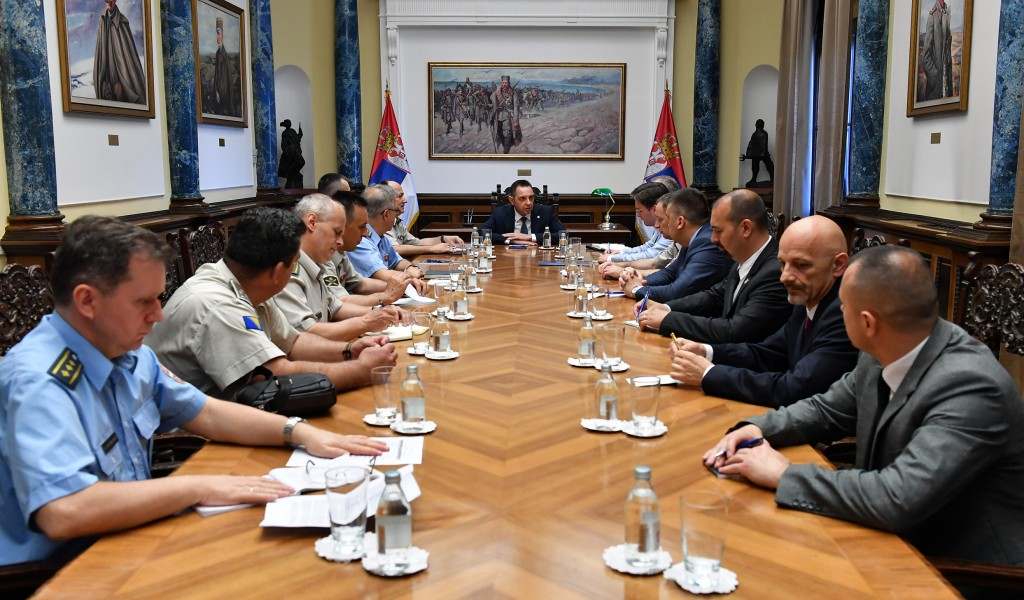 Sastanak ministra odbrane sa polaznicima VSBO