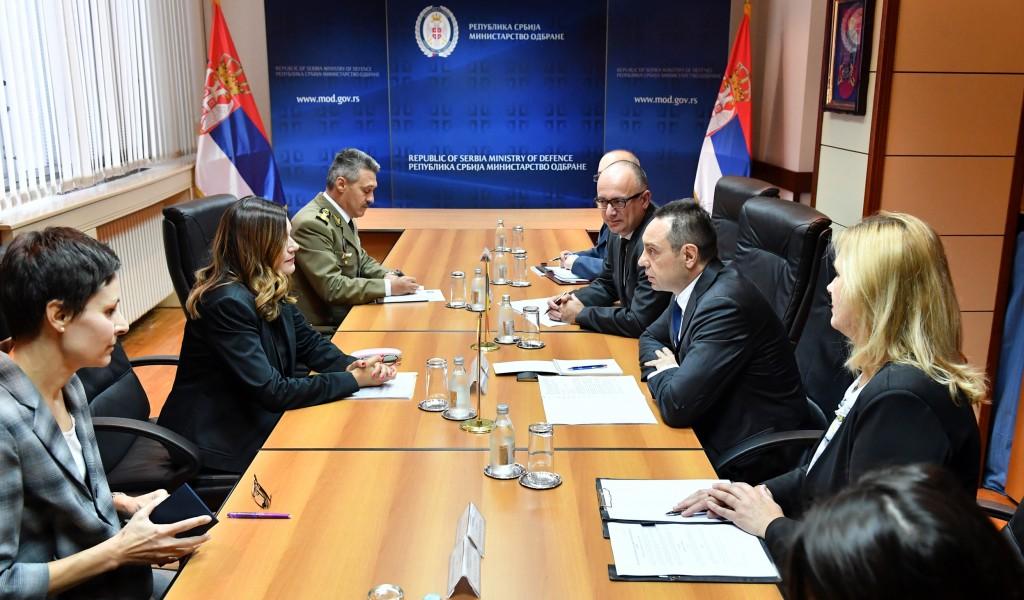 Састанак министра Вулина са амбасадорком Румуније