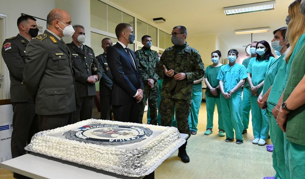 Ministar Stefanović na VMC Karaburma Godinu dana borbe za najteže kovid pacijente