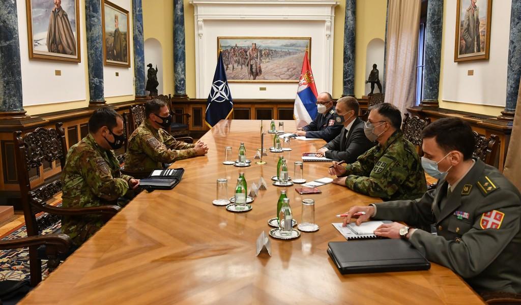 Састанак министра Стефановића са командантом КФОР а генералом Федерићијем