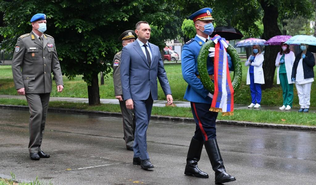 Министар Вулин Прошла је 21 година а нисмо чули извини