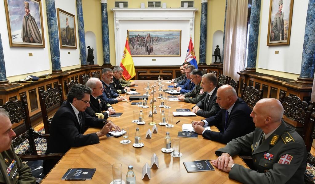 Министар Стефановић разговарао са начелником Генералштаба Оружаних снага Краљевине Шпаније