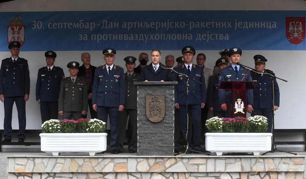 Министар Стефановић присуствовао свечаности поводом Дана рода артиљеријско ракетних јединица за противваздухопловна дејства