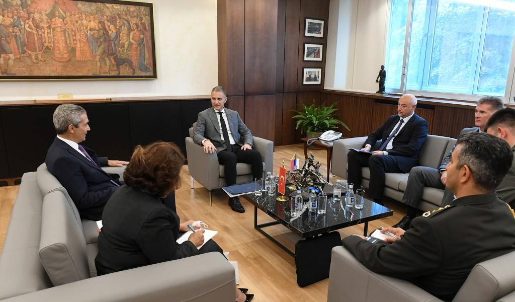 Сусрет министра Стефановића и турског амбасадора Аксоја