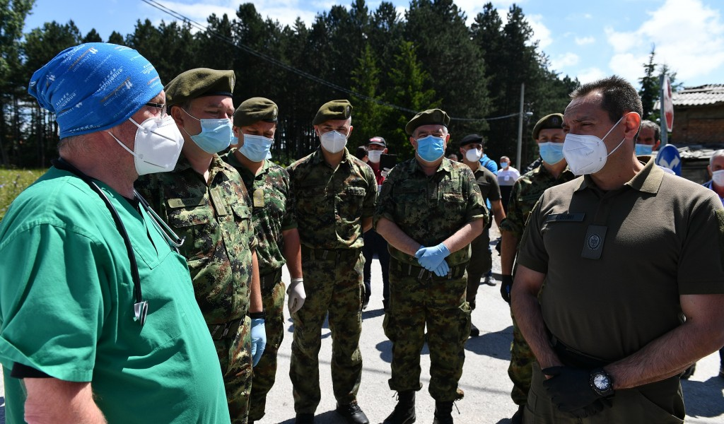 Minister Vulin in Sjenica As long as there is a risk of infection the Serbian Armed Forces will be there to help Sjenica Tutin and Novi Pazar
