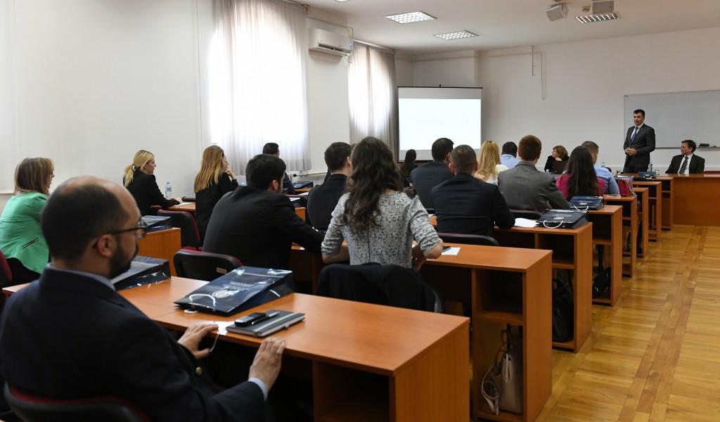 Предавање министра одбране на Дипломатској академији
