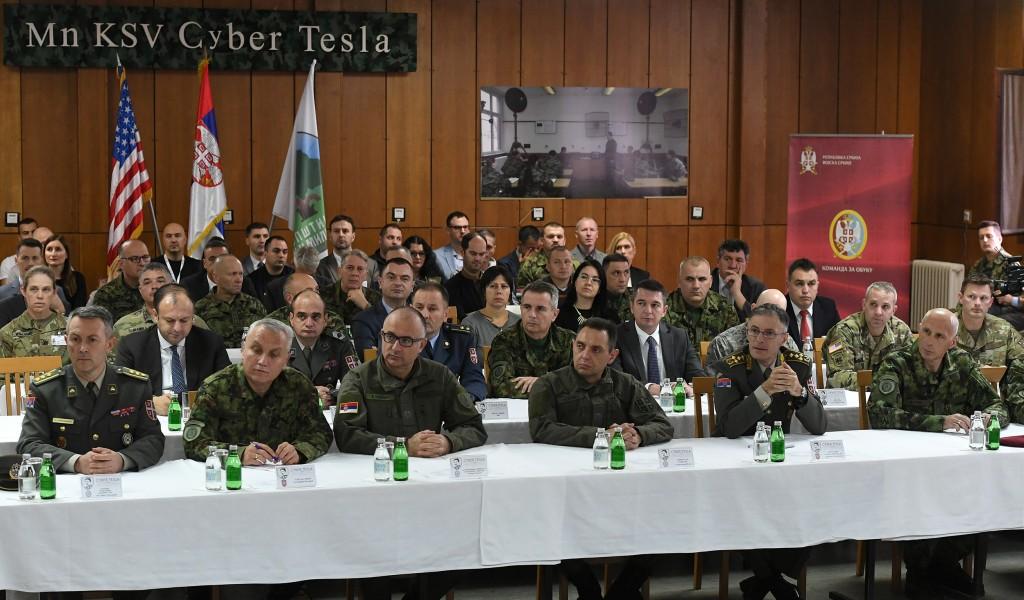 Министар Вулин обишао учеснике вежбе Cyber Tesla 2019