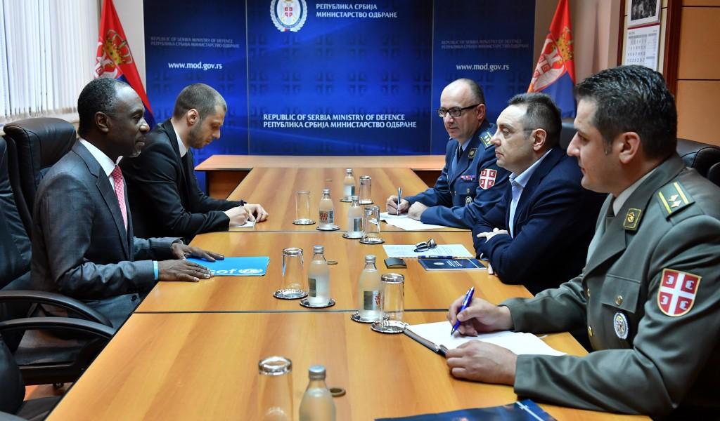 Састанак министра одбране са директором UNICEF у Србији