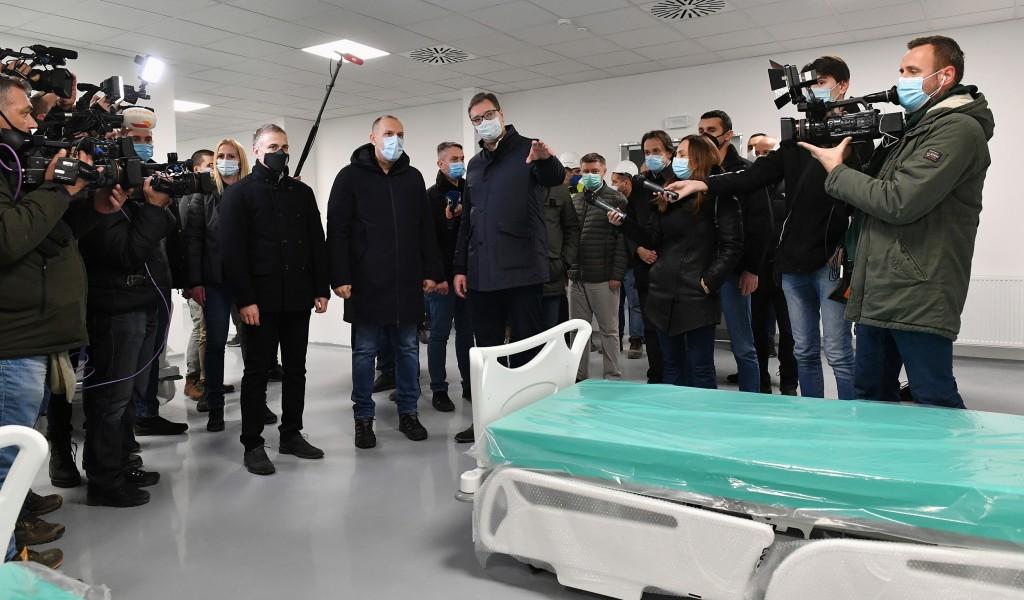 Predsednik Vučić Ponosan sam što smo za četiri meseca izgradili velelepnu kovid bolnicu u Batajnici