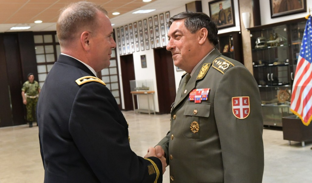 Командант Копнене војске Европске команде ОС САД у посети Србији