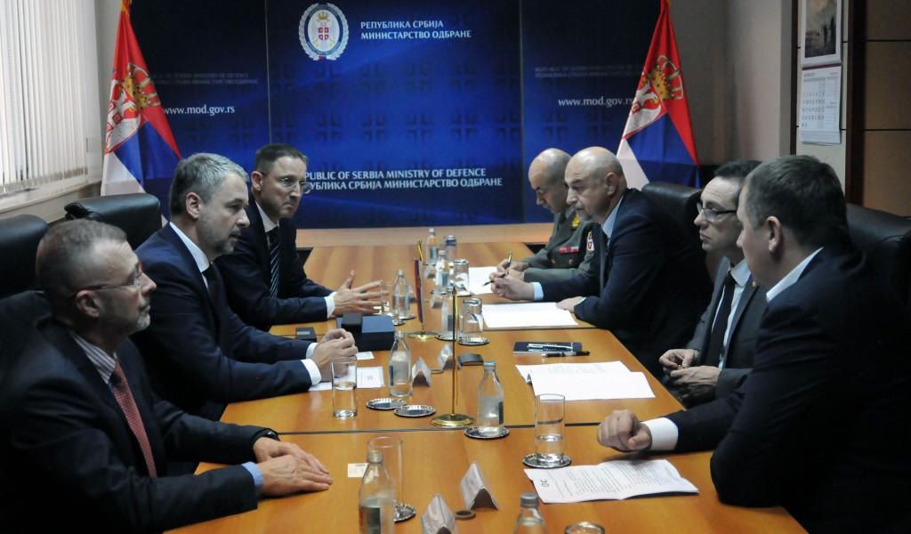 Састанак министра одбране са представницима компаније Чешка Збројовка