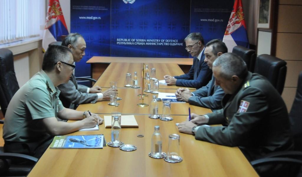Састанак министра одбране и амбасадора Кине