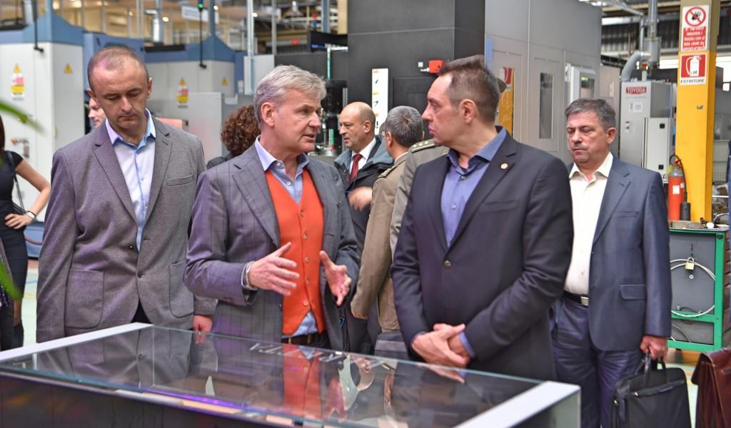 Министар одбране посетио компанију Берета у Милану
