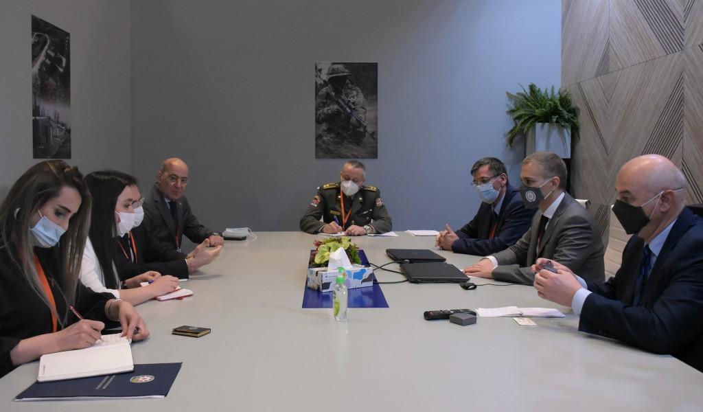 Састанак министра Стефановића са министром одбрамбене индустрије Азербејџана генералом Кулијевим