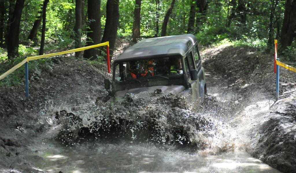 Прво међународно такмичење возача моторних возила