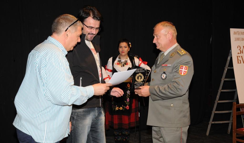 Прва награда Застава филму на фестивалу Златна буклија