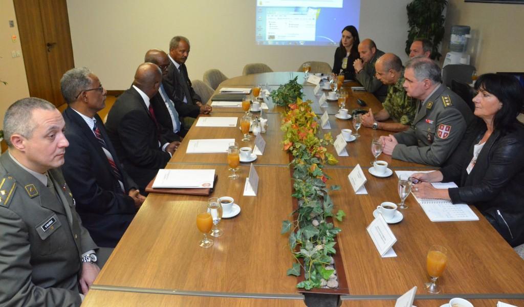 Еритрејска делегација у посети Министарству одбране