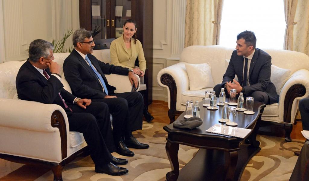 Министар одбране примио делегацију Пакистана