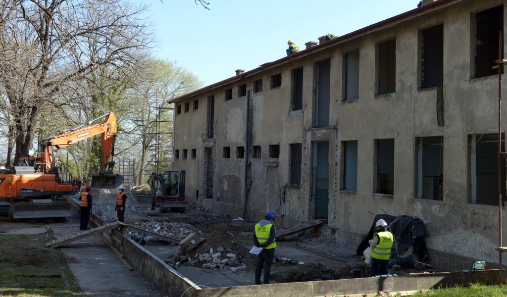 Министар Вулин Донација нове болнице коју граде приватни предузетници пример је свим грађанима