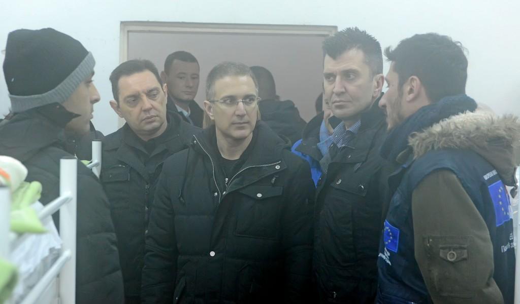 Министри обишли прихватни центар за мигранте у Обреновцу