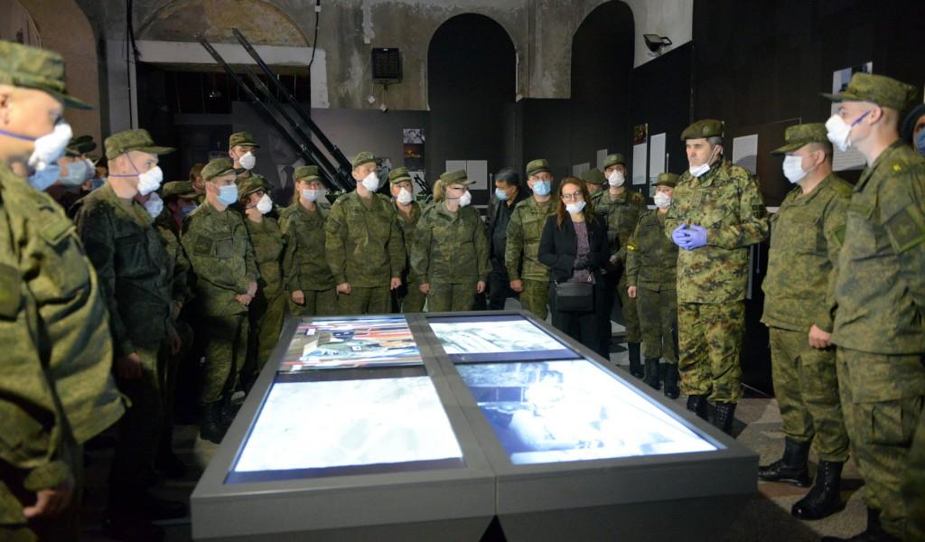 Припадници експертских тимова Руске Федерације обишли изложбу Одбрана 78