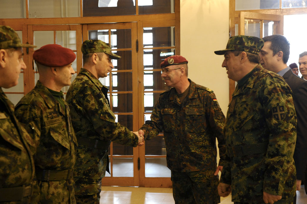 Chief of General Staff of the Serbian Armed Forces meets KFOR Commander