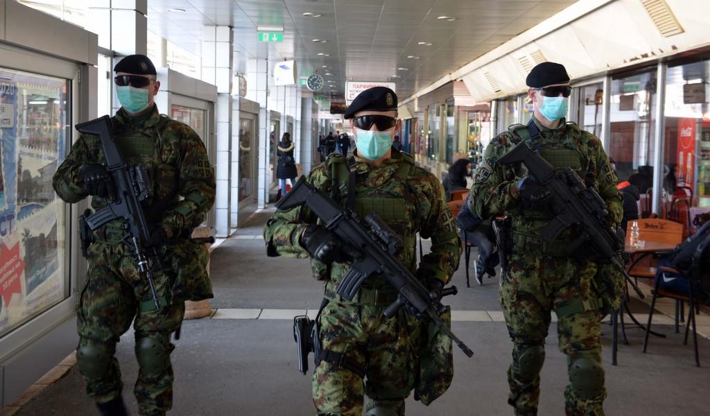 Војска Србије обезбеђује граничне прелазе прихватне центре и болнице