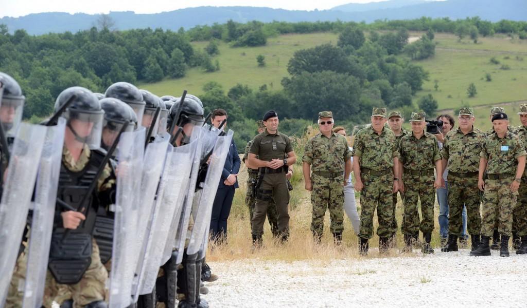 Генерал Диковић посетио учеснике вежбе Платинасти вук 2018