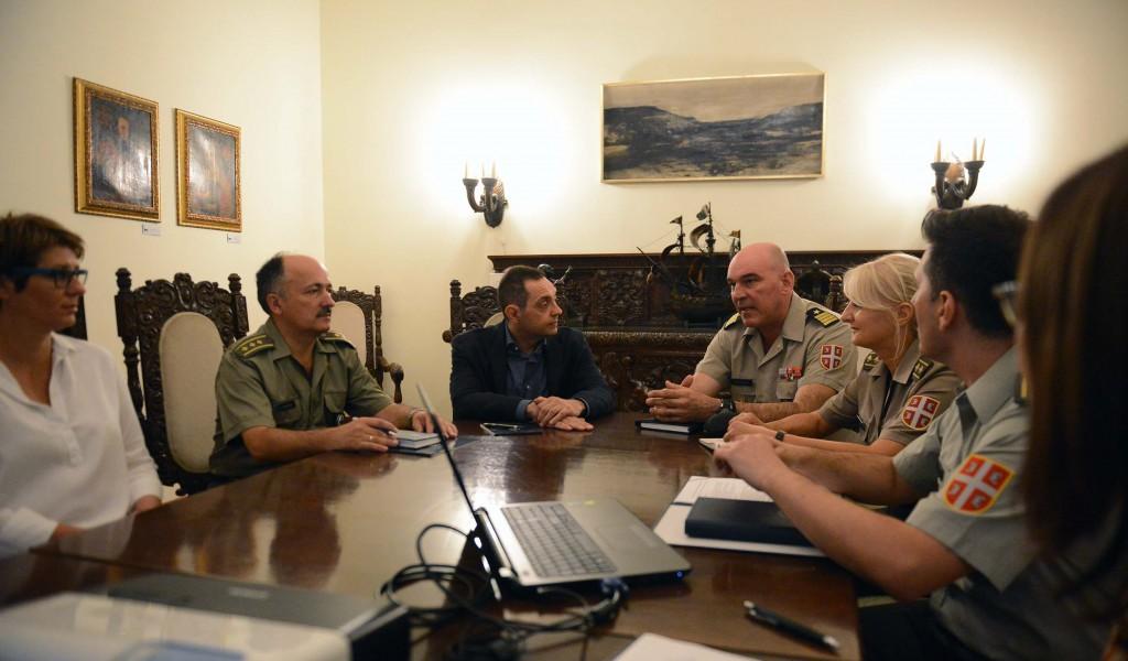 Министар Вулин у Медија центру Одбрана