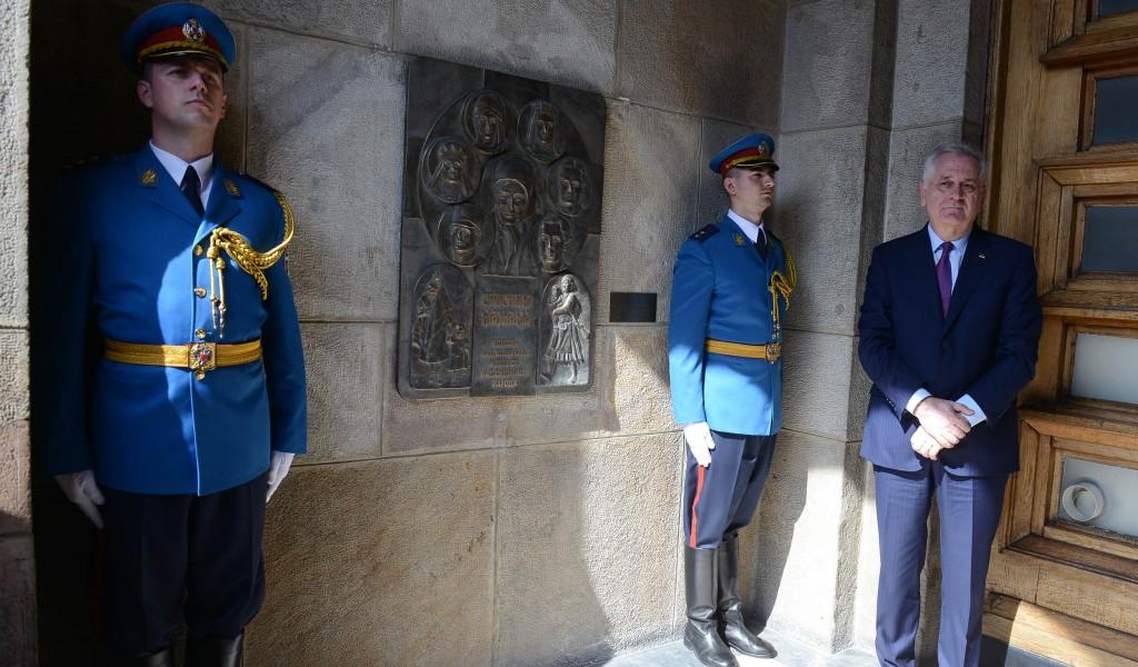 Otkriveno spomen obeležje srpskim majkama