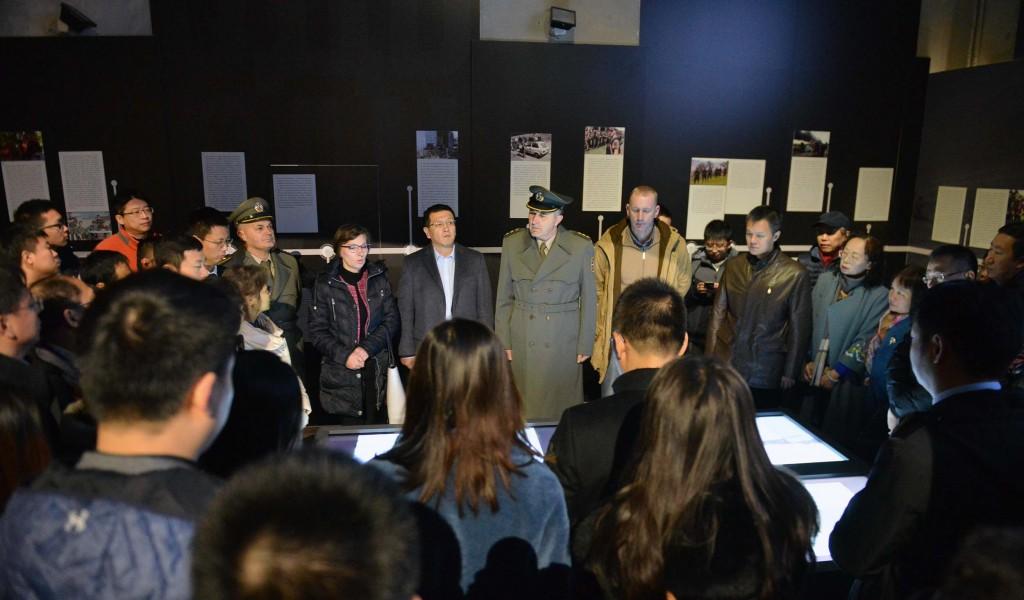 """Делегација Амбасаде Кине обишла изложбу """"Одбрана 78"""""""