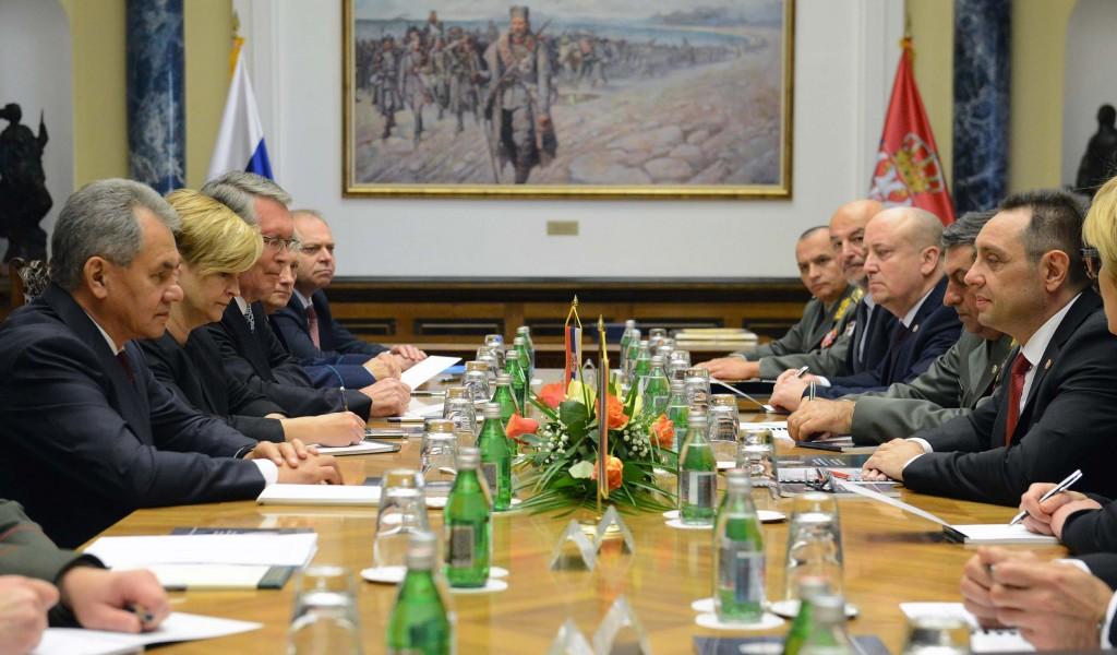 Министри Вулин и Шојгу: Србија и Русија брижљиво граде и чувају посебне односе