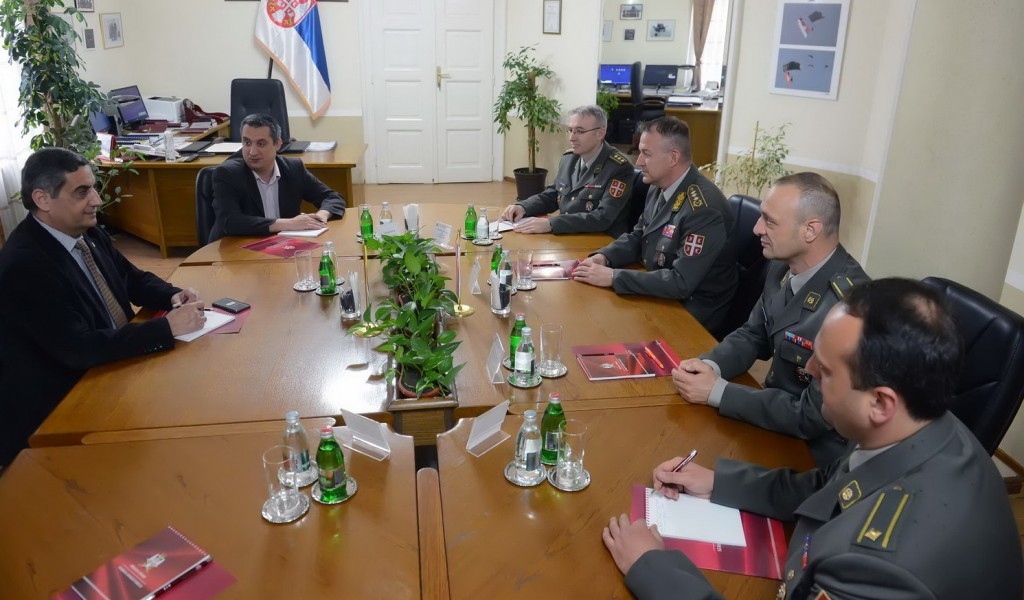 Komandant Komande za obuku sa ambasadorom Jordana