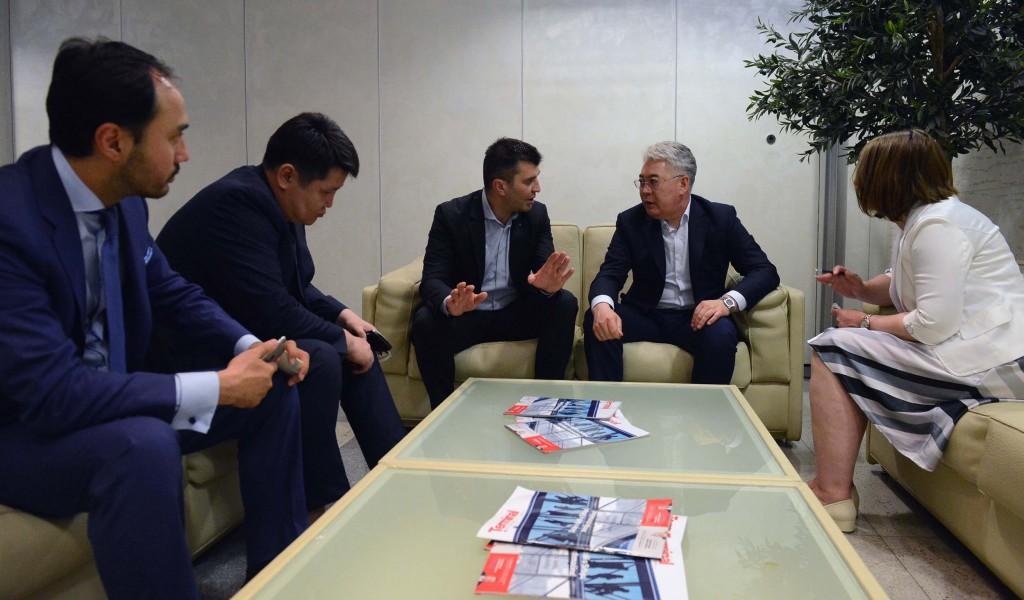 Министар одбране дочекао казахстанску делегацију