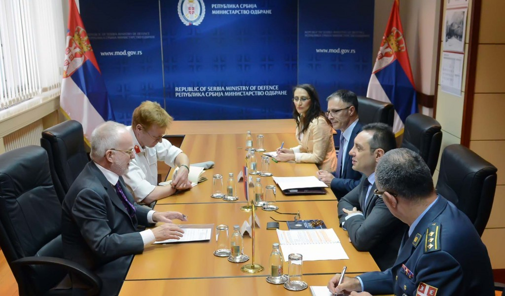 Defence Minister meets with Ambassador of the United Kingdom