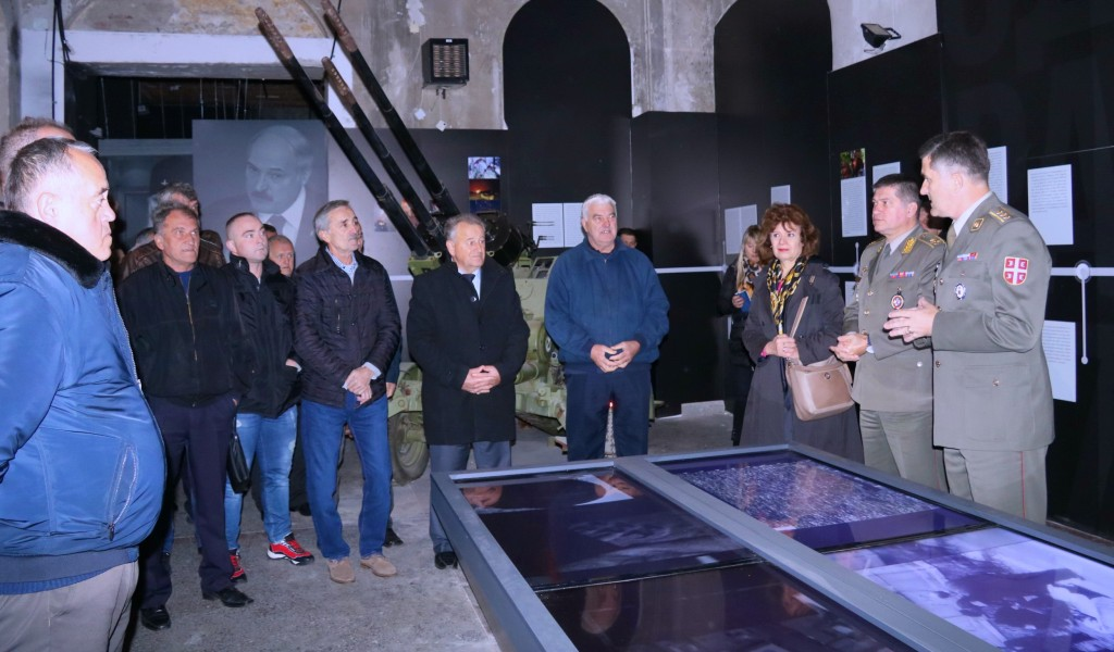 Families of Warriors Fallen in NATO Aggression and Veterans from Montenegro Visited Exhibition Defence 78