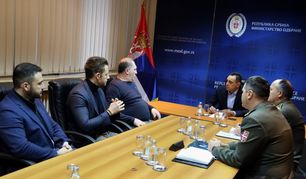 Defence Minister meets producers of project on Heroes from Košare