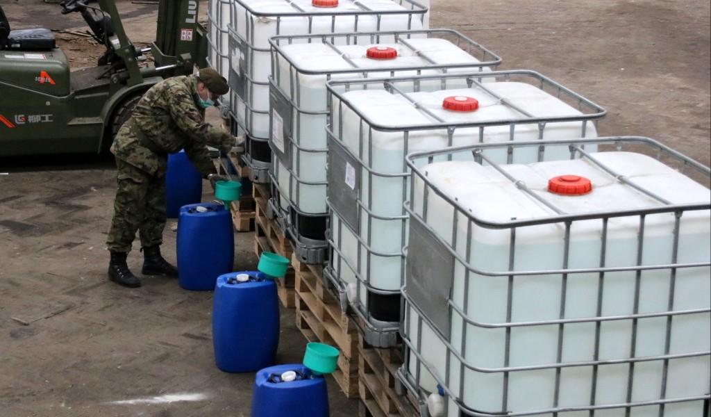 Iz Prve iskre u Bariču 5 000 litara alkoholnog rastvora za Vojsku Srbije
