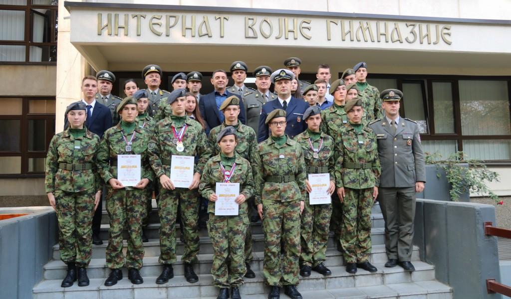 Ministar Vulin sa učenicima Vojne gimnazije i Srednje stručne vojne škole