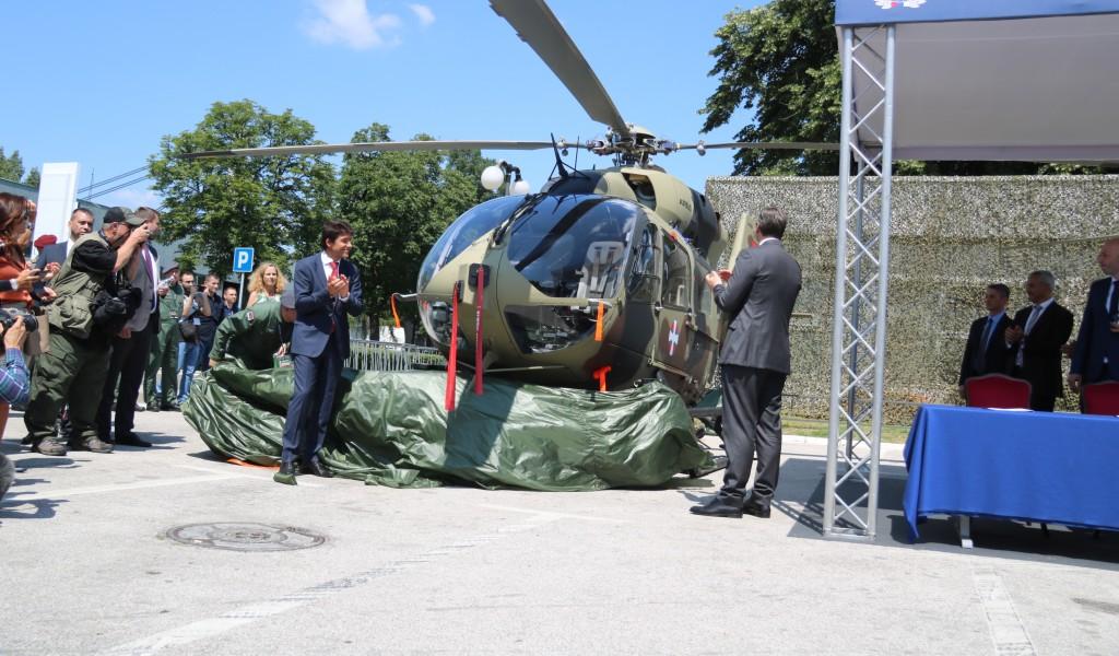 Председник Вучић Имаћемо више хеликоптера него икада раније
