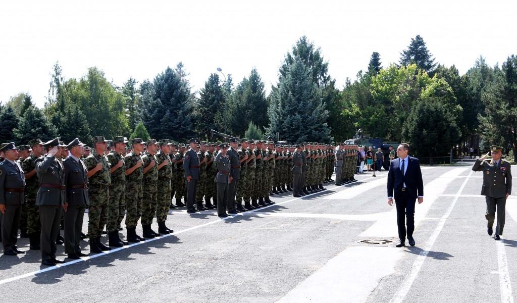 Министар Вулин Без снажне војске нема слободне Србије