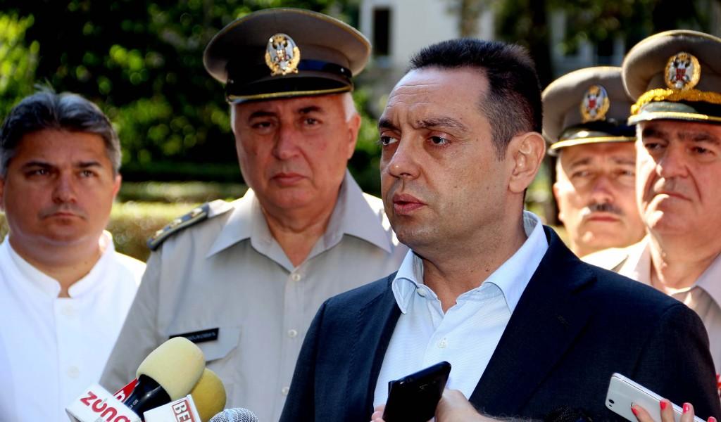 Министар Вулин Захвалан сам свима који су живот уградили у Војску Србије