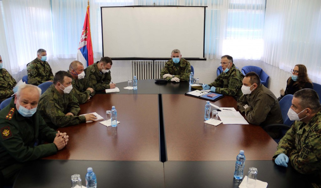 Minister Vulin meets with General Chernyshov