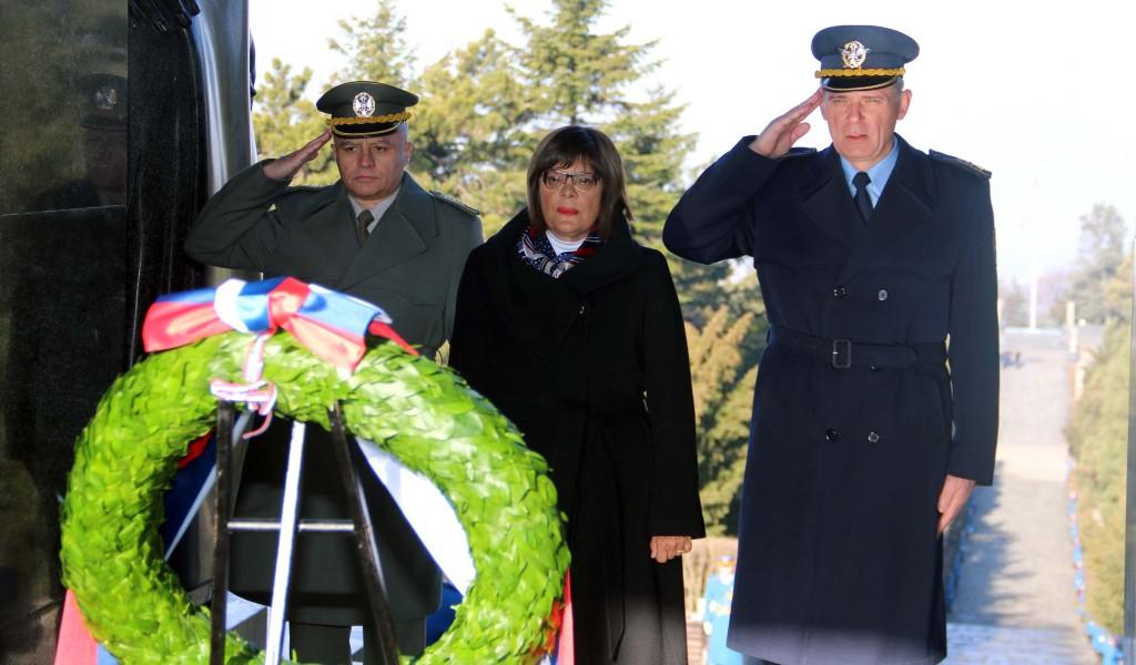 Председница Народне скупштине положила венац на Споменик Незнаном јунаку на Авали