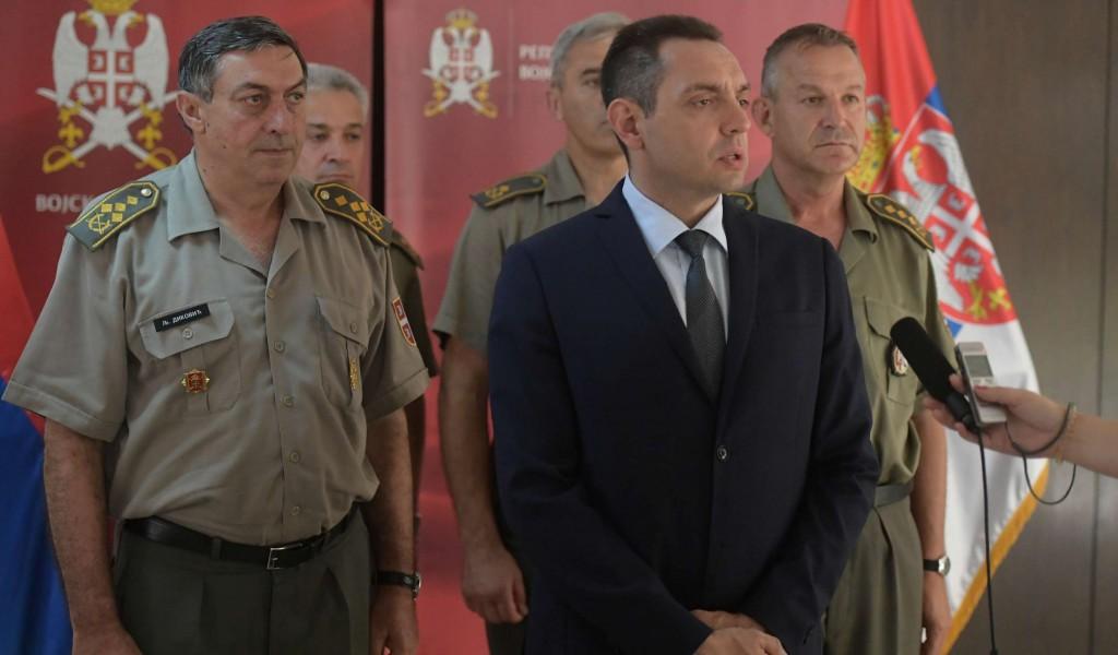 Министар Вулин у Команди за обуку Војске Србије