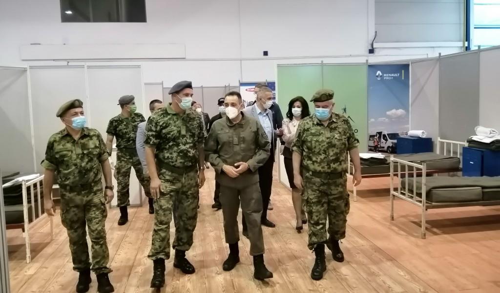 Ministar Vulin u Kragujevcu Vojska Srbije postavlja privremene kovid bolnice gde god je to potrebno